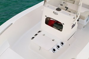 2017 ROBALO R160 Photo 20 of 44