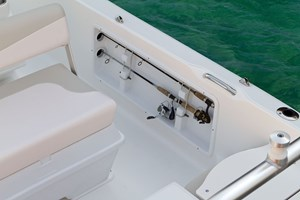 2017 ROBALO R160 Photo 35 of 44