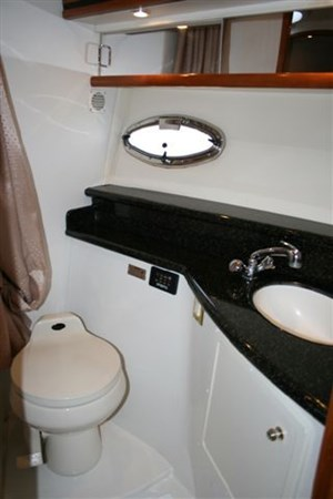 2002 Carver 450 Voyager Photo 27 of 65