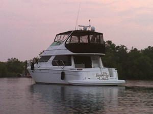 2002 Carver 450 Voyager Photo 2 of 65