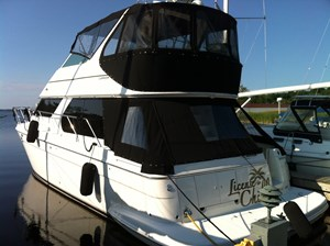 2002 Carver 450 Voyager Photo 3 of 65