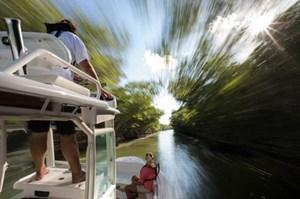 2017 Everglades 243CC Photo 20 of 30