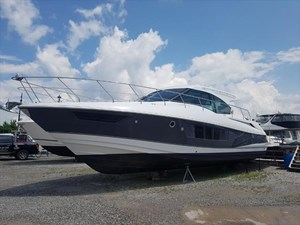 2018 Cruisers Yachts 45 Cantius Photo 1