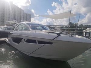 2018 Cruisers Yachts 50 Cantius Photo 1