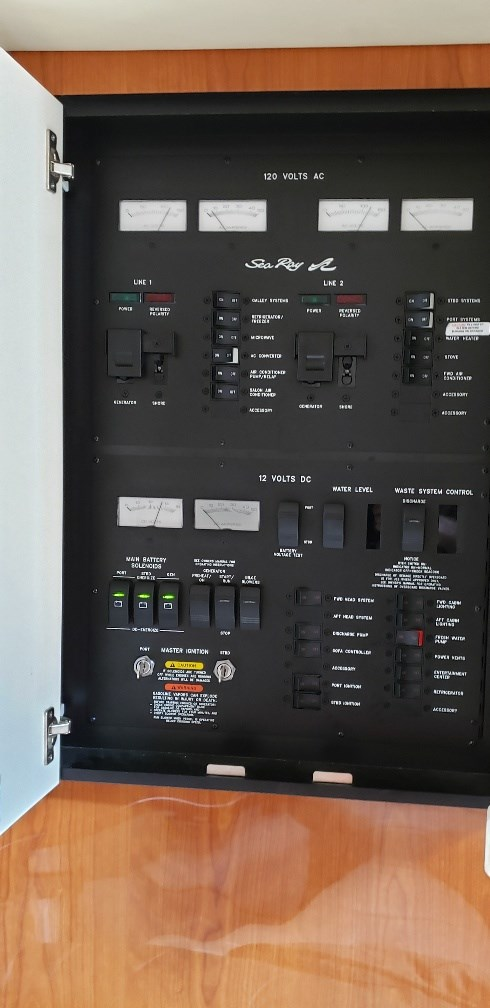 2001 Sea Ray boat for sale, model of the boat is 380 Sundancer M/C & Image # 9 of 19