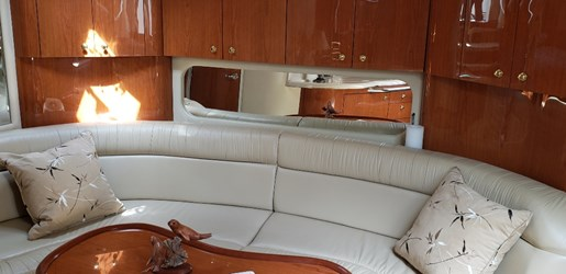 2001 Sea Ray boat for sale, model of the boat is 380 Sundancer M/C & Image # 13 of 19