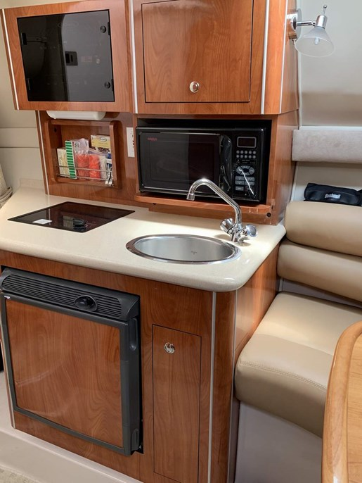 2003 Doral International boat for sale, model of the boat is 250 SE Platinum & Image # 3 of 5
