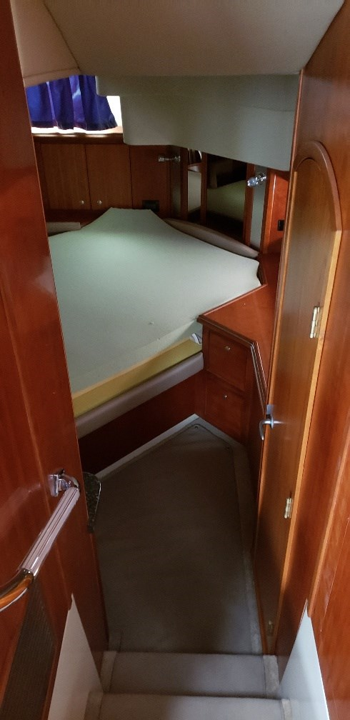 2008 Cruisers Yachts boat for sale, model of the boat is 455 Express Motor Yacht & Image # 18 of 33