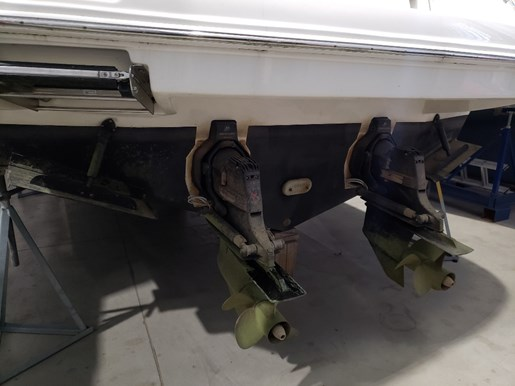 2010 Sea Ray boat for sale, model of the boat is 390 Sundancer & Image # 5 of 27