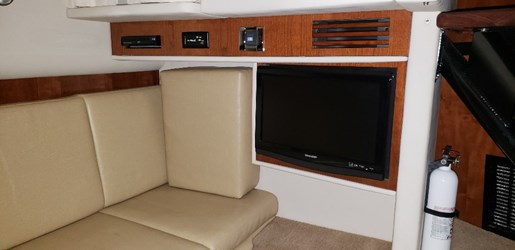 2010 Sea Ray boat for sale, model of the boat is 390 Sundancer & Image # 12 of 27