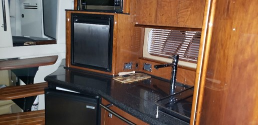2010 Sea Ray boat for sale, model of the boat is 390 Sundancer & Image # 14 of 27