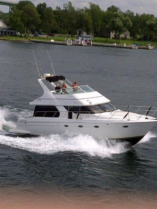 1999 Carver Voyager 450 - Pilothouse Photo 1 of 34
