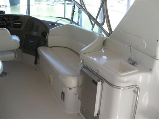 1999 Carver Voyager 450 - Pilothouse Photo 4 of 34