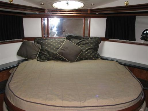 1999 Carver Voyager 450 - Pilothouse Photo 28 of 34