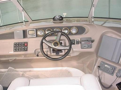 1999 Carver Voyager 450 - Pilothouse Photo 2 of 34