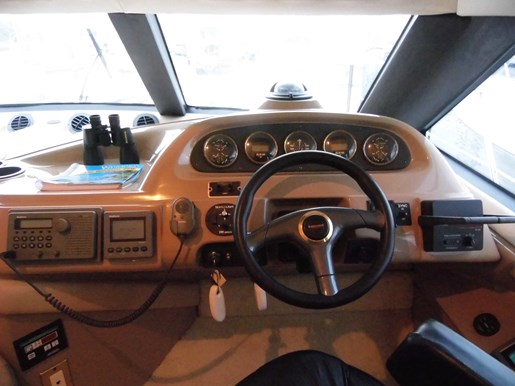 1999 Carver Voyager 450 - Pilothouse Photo 7 of 34