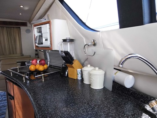 1999 Carver Voyager 450 - Pilothouse Photo 25 of 34