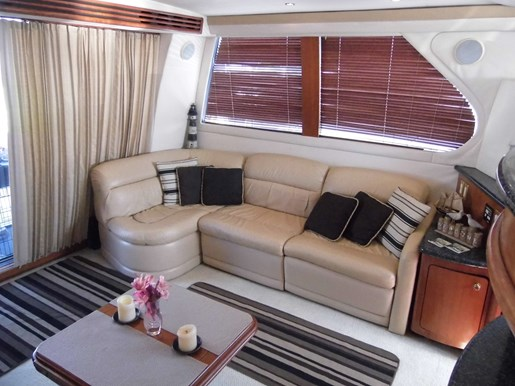 1999 Carver Voyager 450 - Pilothouse Photo 15 of 34