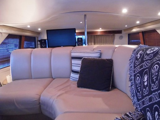 1999 Carver Voyager 450 - Pilothouse Photo 14 of 34