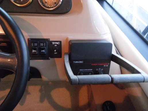 1999 Carver Voyager 450 - Pilothouse Photo 9 of 34