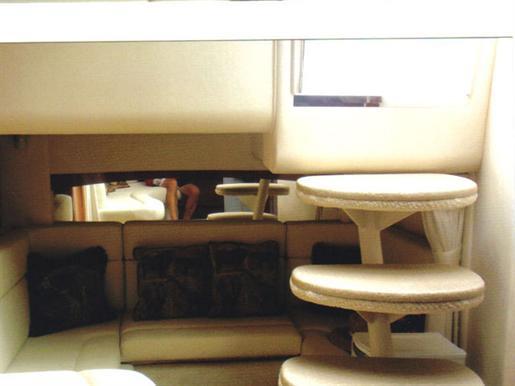 2003 Sea Ray 320 Sundancer   7 of 7