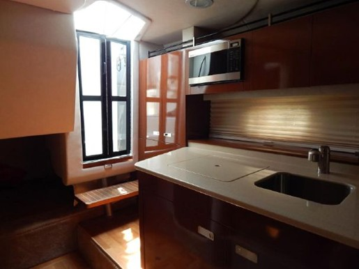 2011 Sea Ray boat for sale, model of the boat is 310 Sundancer & Image # 9 of 14