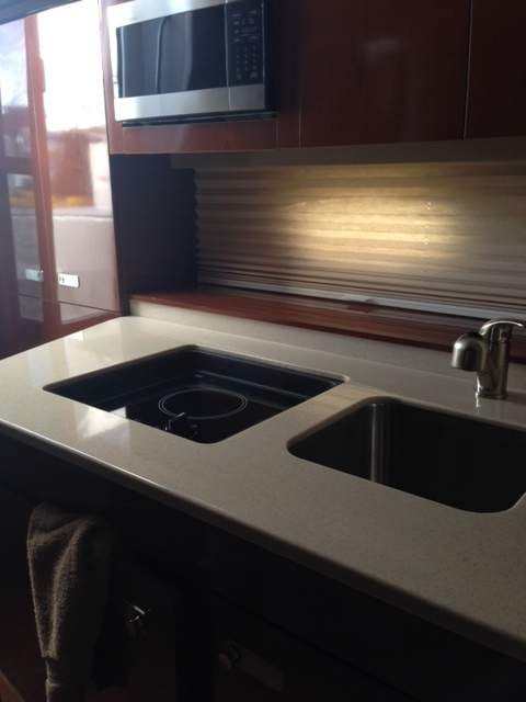 2011 Sea Ray 310 Sundancer | 11 of 14