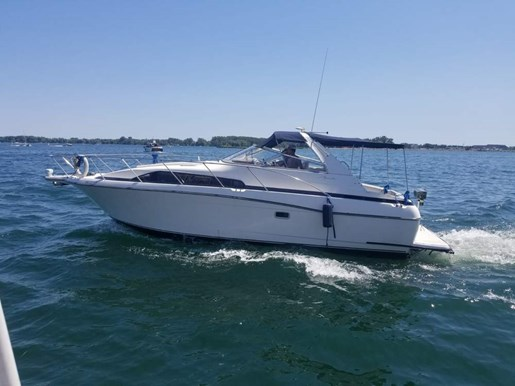 1998 Bayliner boat for sale, model of the boat is 3255 Avanti & Image # 2 of 12
