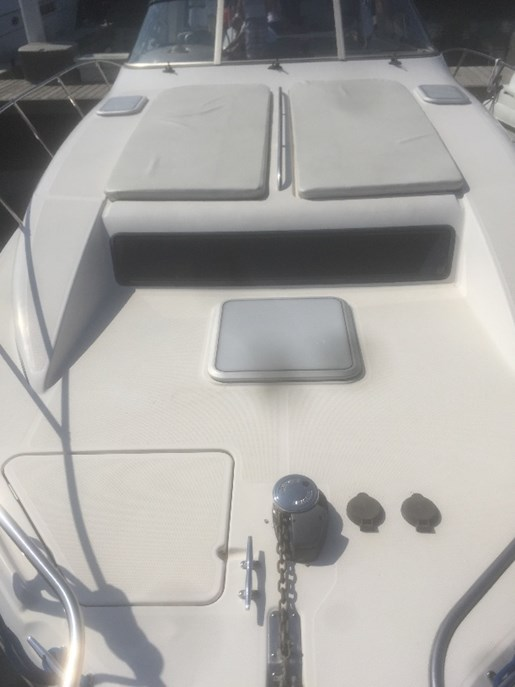 1998 Bayliner boat for sale, model of the boat is 3255 Avanti & Image # 5 of 12