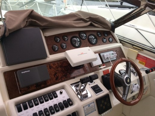 1996 Sea Ray boat for sale, model of the boat is 400 Express & Image # 7 of 26