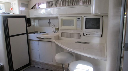 1996 Sea Ray boat for sale, model of the boat is 400 Express & Image # 18 of 26