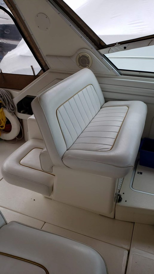 1996 Sea Ray boat for sale, model of the boat is 400 Express & Image # 8 of 22