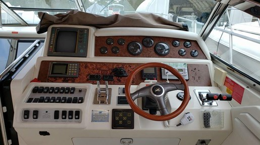 1996 Sea Ray boat for sale, model of the boat is 400 Express & Image # 7 of 22