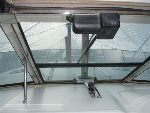 1996 Sea Ray boat for sale, model of the boat is 400 Express & Image # 11 of 26