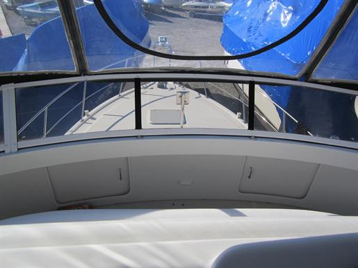 1999 Carver 356 Motor Yacht Photo 8 of 29