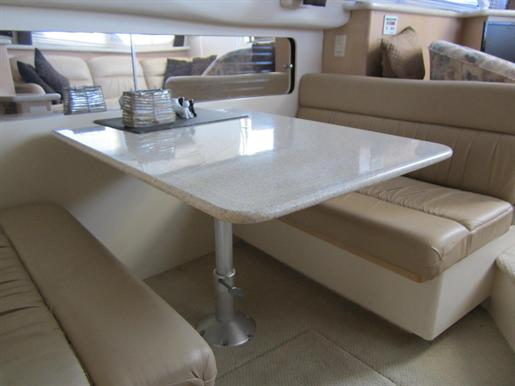 1999 Carver 356 Motor Yacht Photo 14 of 29