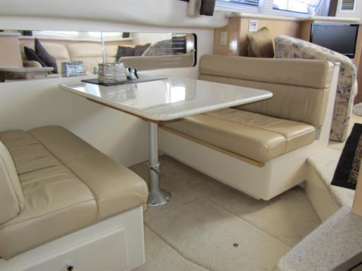 1999 Carver 356 Motor Yacht Photo 15 of 29