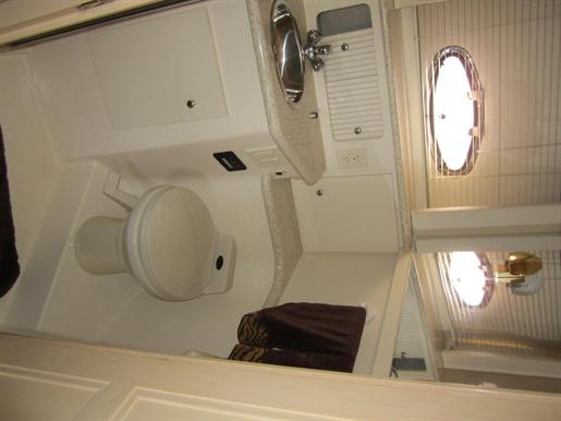 1999 Carver 356 Motor Yacht Photo 25 of 29