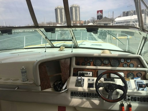 1993 Sea Ray boat for sale, model of the boat is 370 Sundancer & Image # 5 of 5