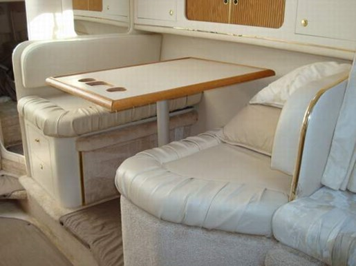 1999 Sea Ray boat for sale, model of the boat is 290 Sundancer & Image # 11 of 16