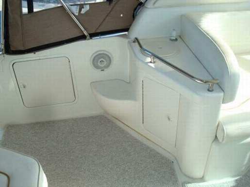 1999 Sea Ray boat for sale, model of the boat is 290 Sundancer & Image # 7 of 16