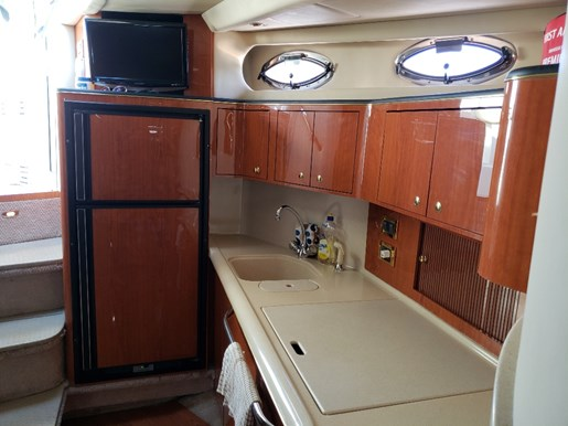 2000 Sea Ray boat for sale, model of the boat is 410 Sundancer & Image # 15 of 20