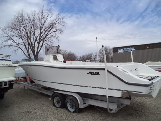 Mako 282 2000 used boat for sale in oshkosh wisconsin for Outboard motors for sale in wisconsin
