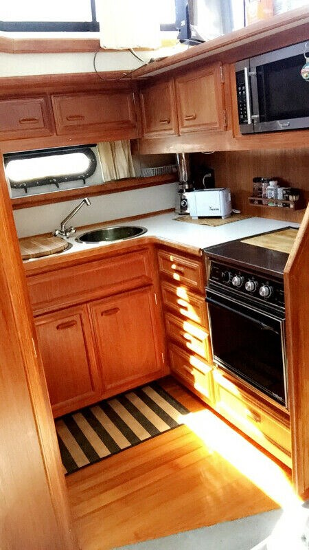 1990 Carver boat for sale, model of the boat is 3807 Aft & Image # 18 of 30