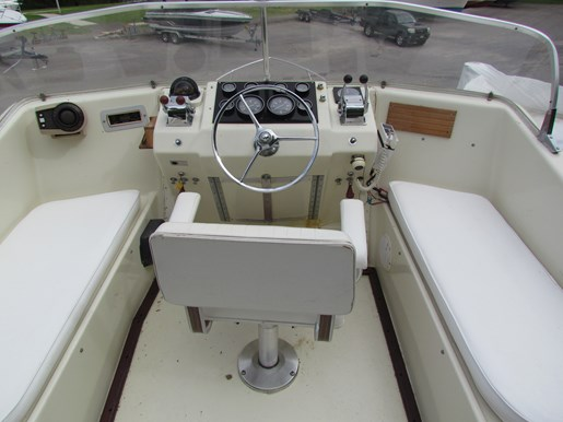 1965 Hatteras Sport Fish Fly Bridge | 3 of 7
