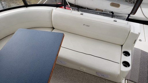 2005 Cruisers Yachts boat for sale, model of the boat is 340 Express & Image # 9 of 20