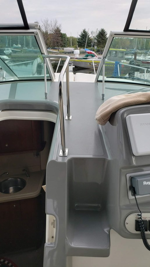 2005 Cruisers Yachts boat for sale, model of the boat is 340 Express & Image # 4 of 20