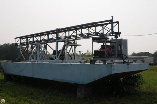 2009 Custom 30 Work Barge Photo 9 of 20