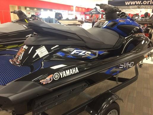 2015 Yamaha FZS Photo 2 of 4