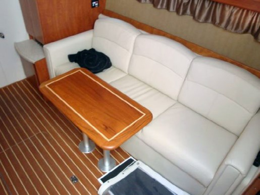 2008 Rinker 400 EC Express Cruiser Photo 9 of 15
